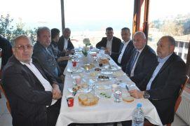 AK Parti adayı Alan, servis şoförlerinden destek istedi
