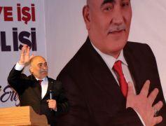 AK Partililer salona sığmadı
