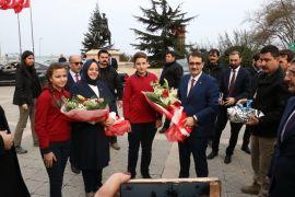 Enerji Bakanı ile Aile Bakanı Zonguldak'ta