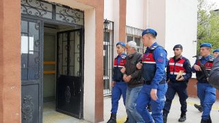 Jandarma didik didik aradı, katil zanlısı komşu çıktı