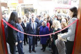 Konukevi kadınları el emeği sergisi açıldı