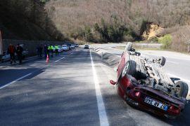 Patlayan lastik kazayı beraberinde getirdi: 2 yaralı