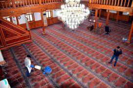 Camilerde Ramazan ayı öncesi temizlik
