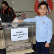 Çaycuma'nın İlk çocuk belediye başkanı seçildi