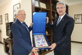 Erdemir Genel Müdürü Oral, Başkan Posbıyık'ı ziyaret etti