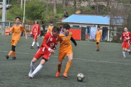 Yıldız futbol grup müsabakaları başladı