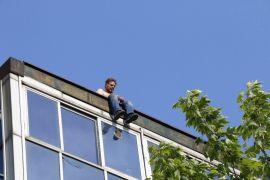 15 metre yükseklikte borç pazarlığı