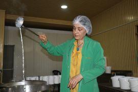 (Özel) Kadın girişimci mandanın etinden ve sütünden 8 çeşit ürün üretti