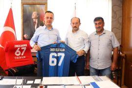 Başkan Alan'a Kardemir Karabükspor forması