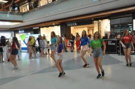 Kiev dans grubu Esas 67 Burda'da danslarını sergilediler