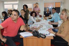 Sağlık çalışanlarına afet ve acil durum planı eğitimi düzenlendi