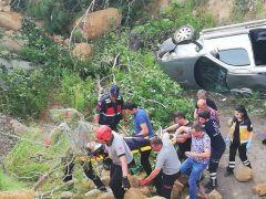 şarampole yuvarlanan araçtaki 1 kişi yaralandı