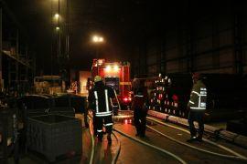 Fabrikadaki yangın paniğe yol açtı