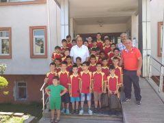 Gülüç'te yaz futbol okulu açıldı
