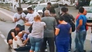 Arazi aracından düşen yaşlı adam yaralandı
