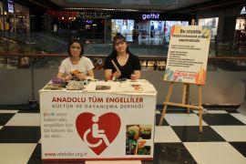 Esas 67 Burda AVM'de engellilere yönelik farkındalık standı açtılar