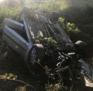 Takla atarak durabilen araçta ölüm olmadı, 5 yaralı