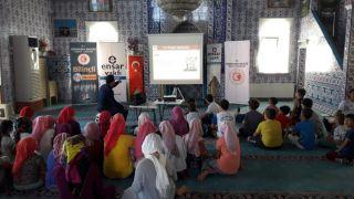 """Yaz Kur'an Kursu öğrencilerine """"İsraf ve tasarruf"""" konulu konferans verildi"""