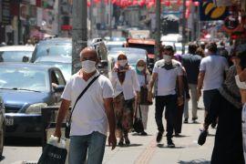 Vatandaşlara maske ve sosyal mesafe uyarısı