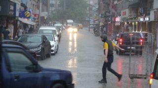 Zonguldak'ta kuvvetli yağış hayatı olumsuz etkiledi