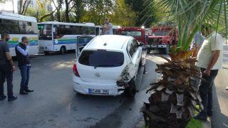 Otomobile arkadan çarptı:1 yaralı