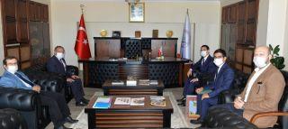 Türkmenistan Büyükelçisi Rektör Çufalı ile bir araya geldi
