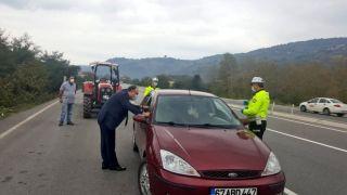 Vali Tutulmaz trafik kontrol noktasını denetledi