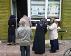 Zabıtadan  vatandaşlara hes yardımı