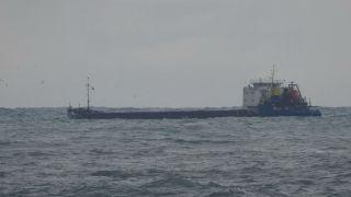 Zonguldak'ta dalgalar 7 metrelik istinat duvarını aştı