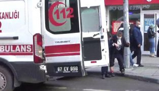 Otomobilin çarptığı kadın ayağından yaralandı