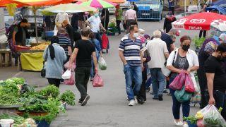 Semt pazarı kuruldu, vatandaşlar akın etti