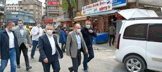 Zonguldak'ta halk pazarı kısıtlamalara uyularak açıldı