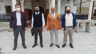 AK Parti İlçe Başkanı Durdubaş tadilatı biten cami ile ilgili bilgi alışverişinde bulundu