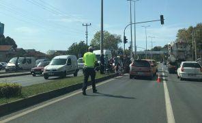 Zincirleme kazada 4 araç birbirine girdi: 2 yaralı