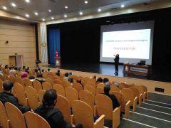 Etkili Özgeçmiş Hazırlama Portfolyo Hazırlama ve Mülakat Teknikleri semineri düzenlendi
